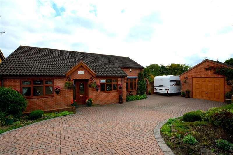 2 Bedrooms Detached Bungalow for sale in Dale Close, Middlecroft, Chesterfield, S43 3TF