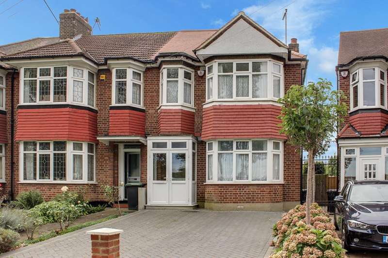 3 Bedrooms Semi Detached House for sale in Barrowell Green, Winchmore Hill, London, N21
