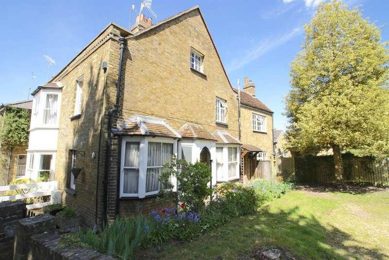 3 Bedrooms Property for sale in St. Marys Lane, Hertingfordbury