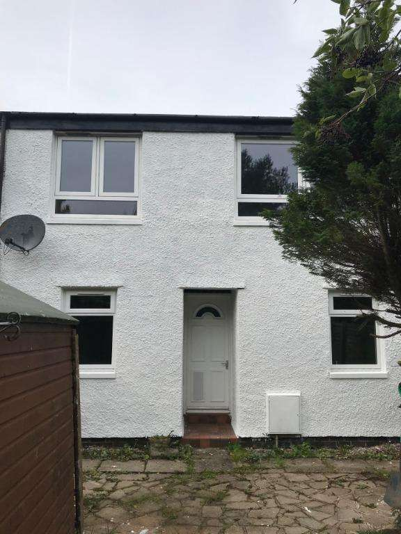 3 Bedrooms Semi Detached House for sale in Capringstone Foot, Irvine, North Ayrshire, KA11 1NY