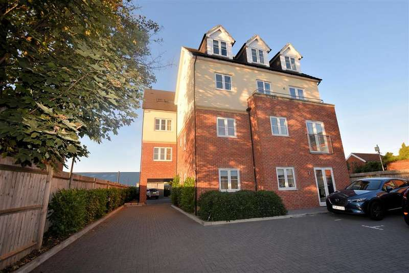 1 Bedroom Apartment Flat for sale in Chester Walk, 644 Oxford Road, Reading