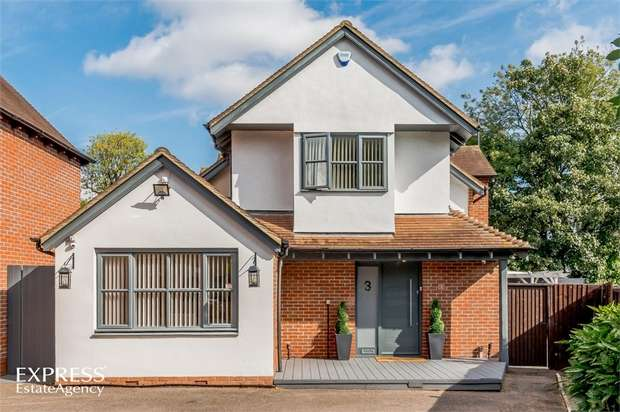 4 Bedrooms Detached House for sale in Faversham Avenue, Grange Park, Enfield, Greater London