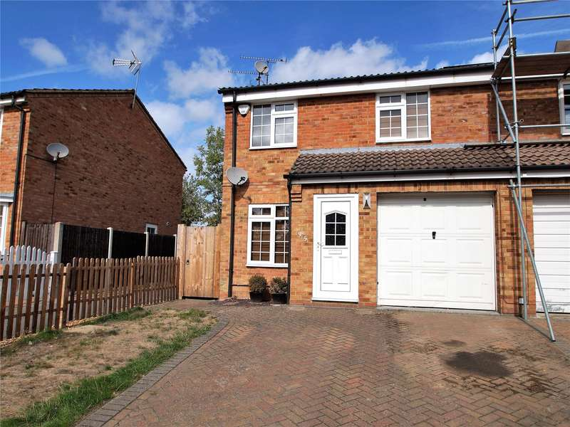 3 Bedrooms Semi Detached House for sale in Appletree Way, Owlsmoor, Sandhurst, Berkshire, GU47
