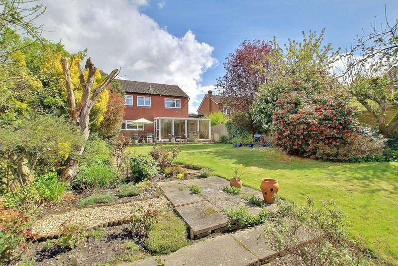 4 Bedrooms Detached House for sale in EAST WELLOW
