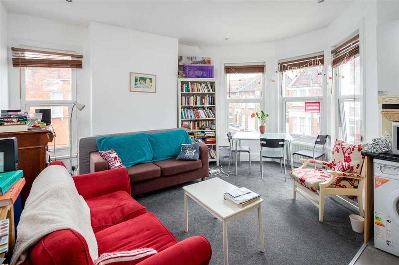 3 Bedrooms Apartment Flat for sale in Carlingford Road, London