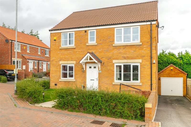 4 Bedrooms Detached House for sale in Seven Hill Close, Morley, Leeds, West Yorkshire, LS27