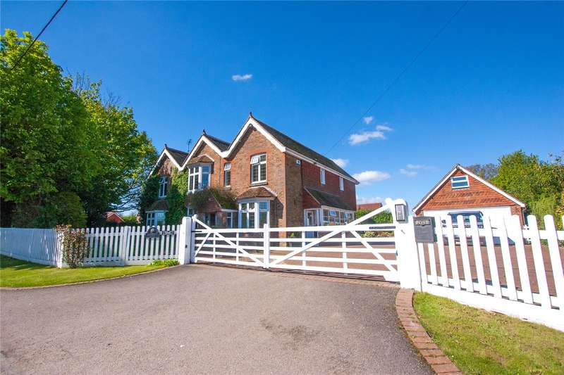 5 Bedrooms Detached House for sale in Lawyers Lane, Henfield, West Sussex, BN5
