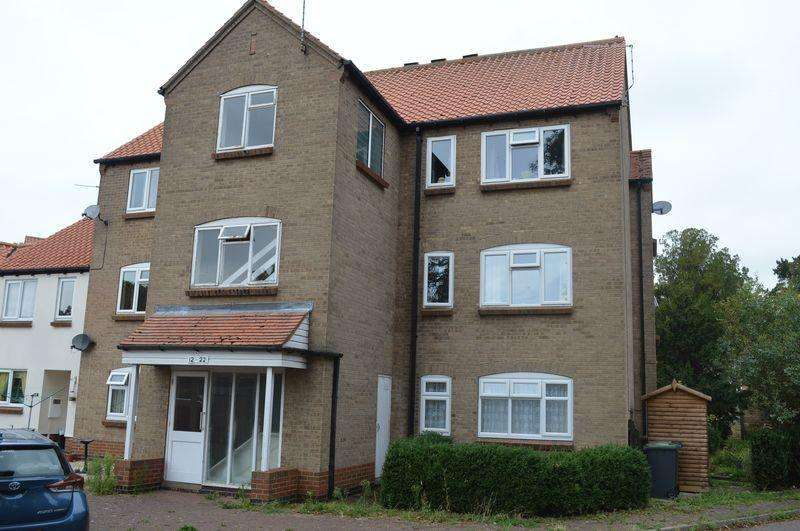 2 Bedrooms Flat for sale in Old Place, Sleaford
