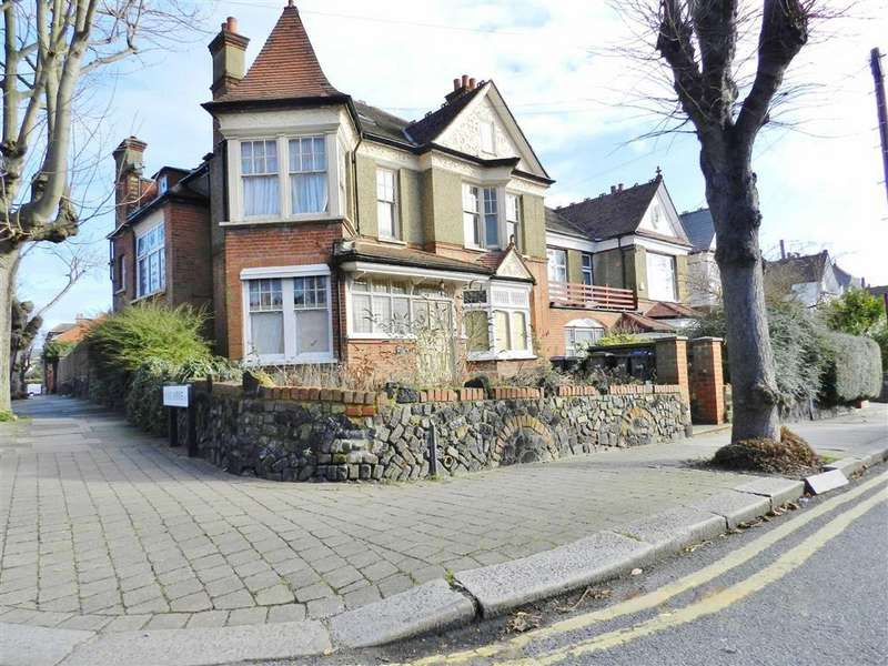 5 Bedrooms Semi Detached House for sale in Compton Road, Winchmore HIll, London