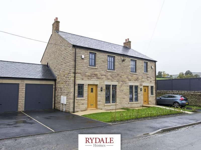 3 Bedrooms Semi Detached House for sale in Glossop Brook View (Freehold)