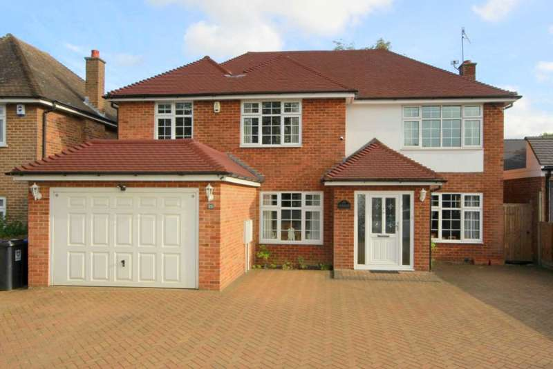 5 Bedrooms Detached House for sale in OUTSTANDING 5 BEDROOM DETACHED EXECUTIVE HOME IN POPULAR LEVERSTOCK GREEN LOCATION