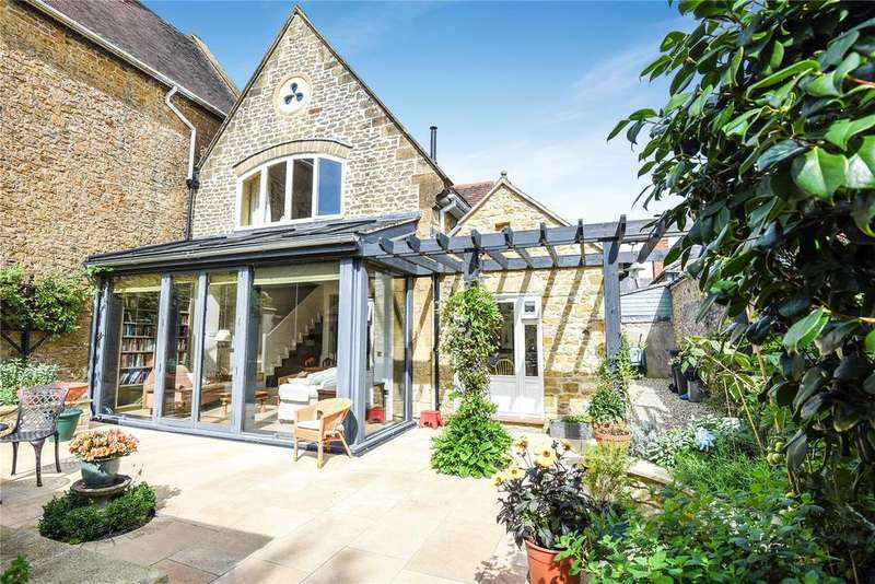 3 Bedrooms Semi Detached House for sale in Hogshill Street, Beaminster, DT8