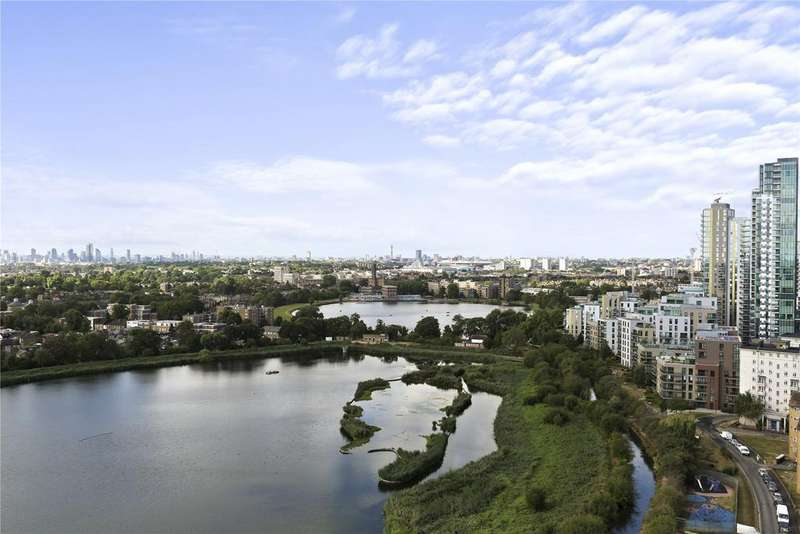 3 Bedrooms Penthouse Flat for sale in Skylark Point, Newnton Close, London, N4