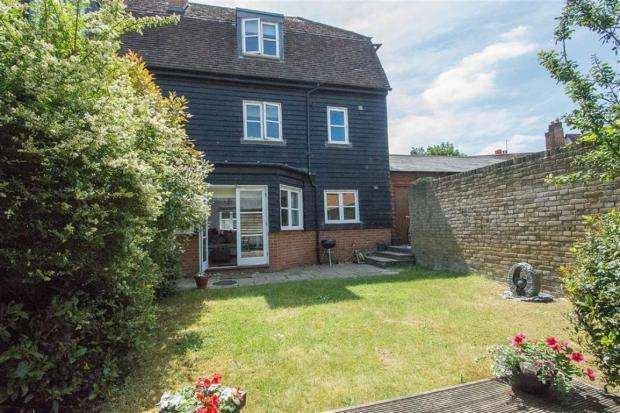 3 Bedrooms Semi Detached House for sale in Old Library Lane, Hertford