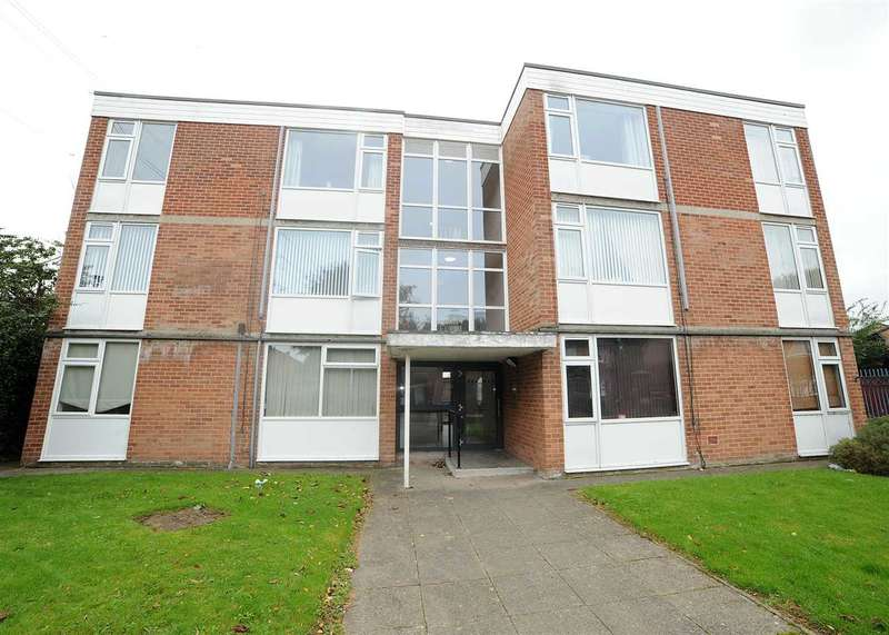 2 Bedrooms Flat for sale in 7 Crossfield Road, Eccles M30 7RY