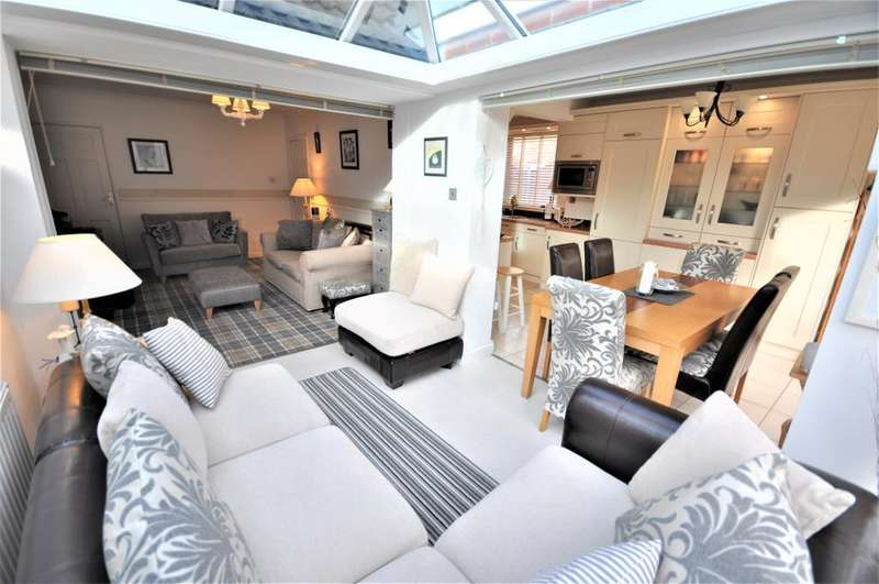 2 Bedrooms Semi Detached Bungalow for sale in Ribby Avenue, Wrea Green, Preston, Lancashire, PR4 2ND