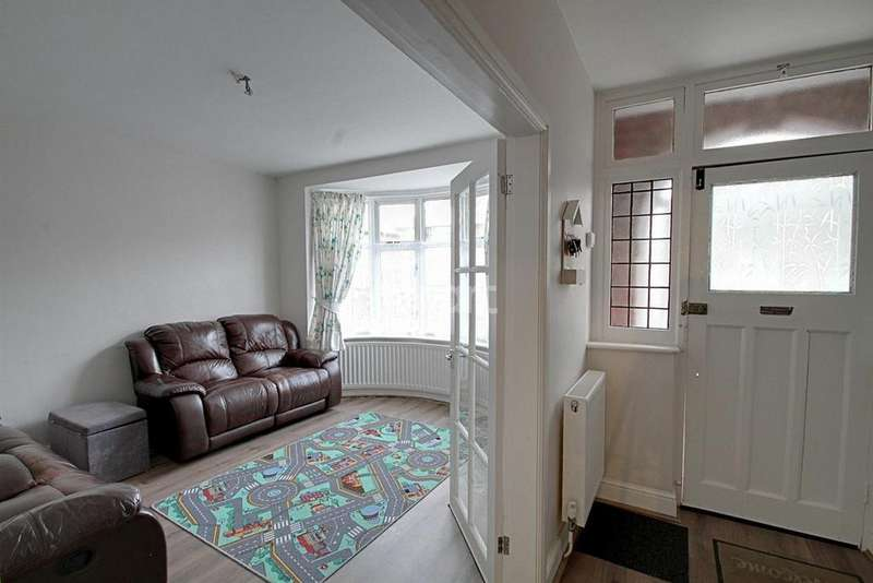 3 Bedrooms Semi Detached House for sale in Kedleston Road, Leicester