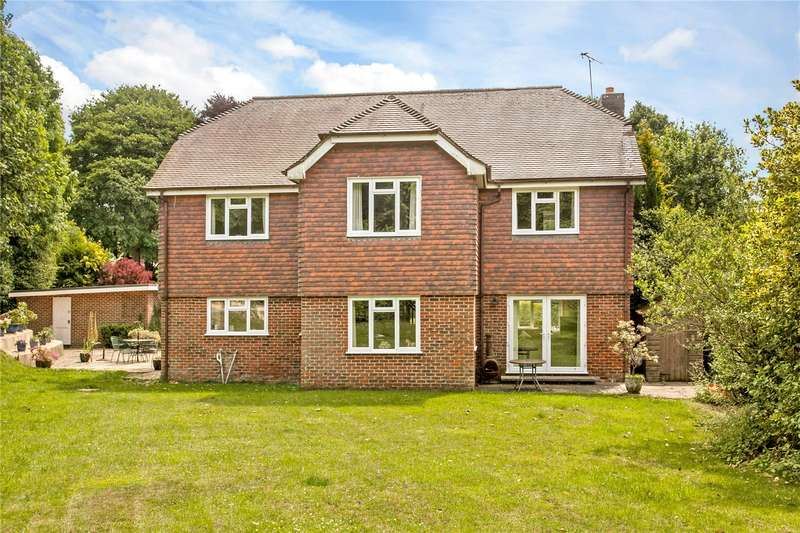 5 Bedrooms Detached House for sale in Waltham Close, Droxford, Hampshire, SO32