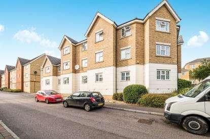 2 Bedrooms Flat for sale in Purfleet, Essex, England