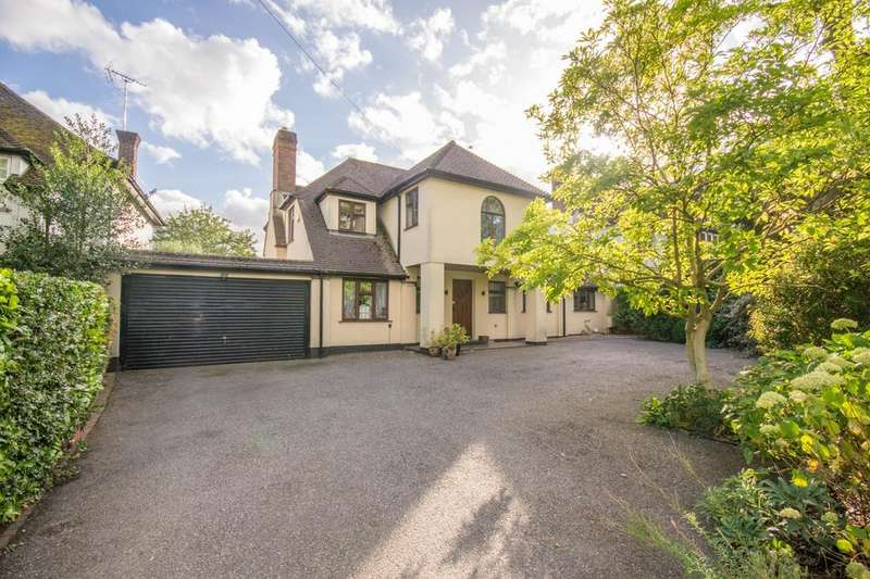 4 Bedrooms Detached House for sale in Rayleigh Road, Hutton, Brentwood, Essex, CM13