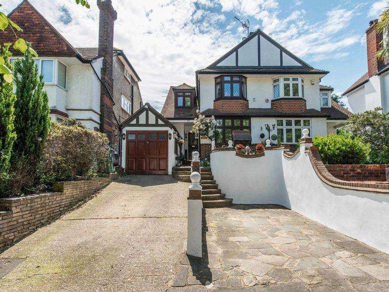 4 Bedrooms Semi Detached House for sale in Ruskin Road, Carshalton