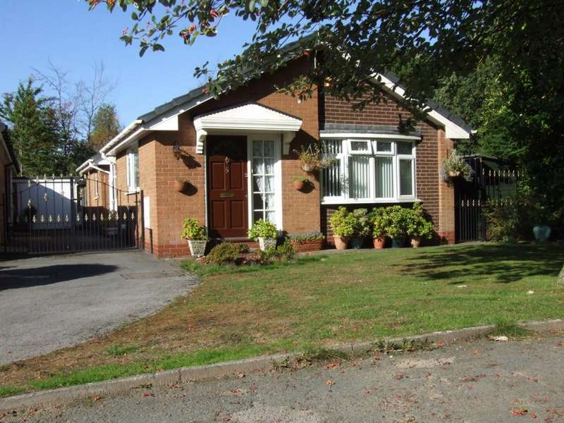 3 Bedrooms Bungalow for sale in Aylesham Close, Bredbury, SK6