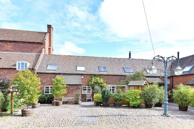 3 Bedrooms Barn Conversion Character Property for sale in Low Habberley Farm, Low Habberley, Kidderminster, DY11