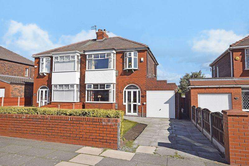 3 Bedrooms Semi Detached House for sale in Kingsway, Widnes