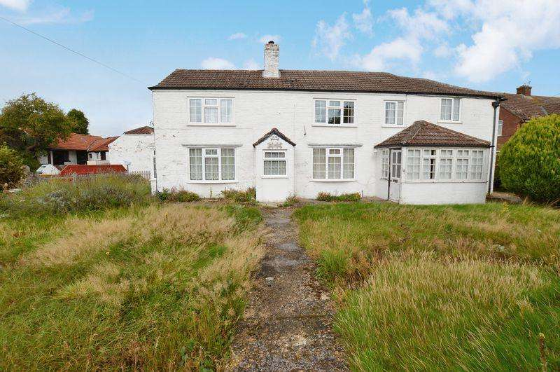 3 Bedrooms Detached House for sale in Mill House, 69 Mill Lane, Woodhall Spa