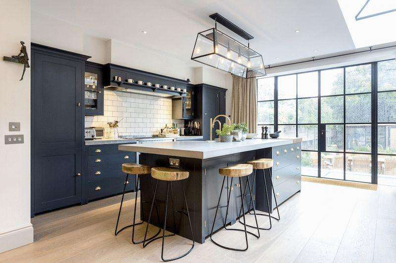 5 Bedrooms Terraced House for sale in Bassein Park Road W12