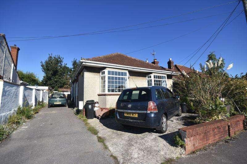 3 Bedrooms Bungalow for sale in Baglyn Avenue, Kingswood