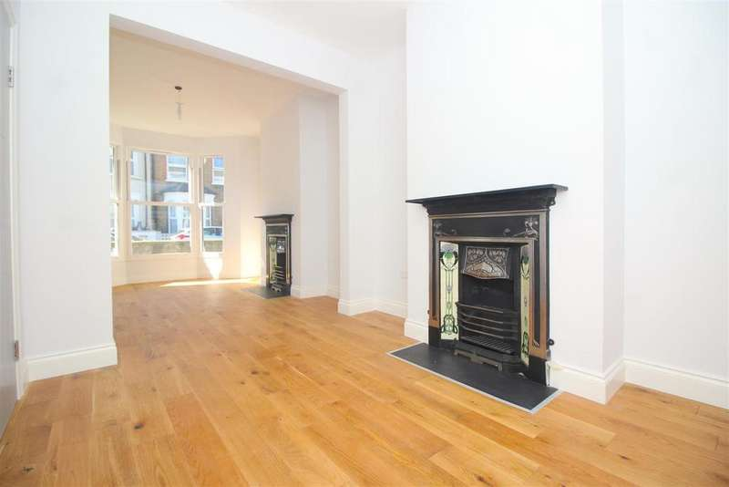 3 Bedrooms Terraced House for sale in Greyhound Road, London