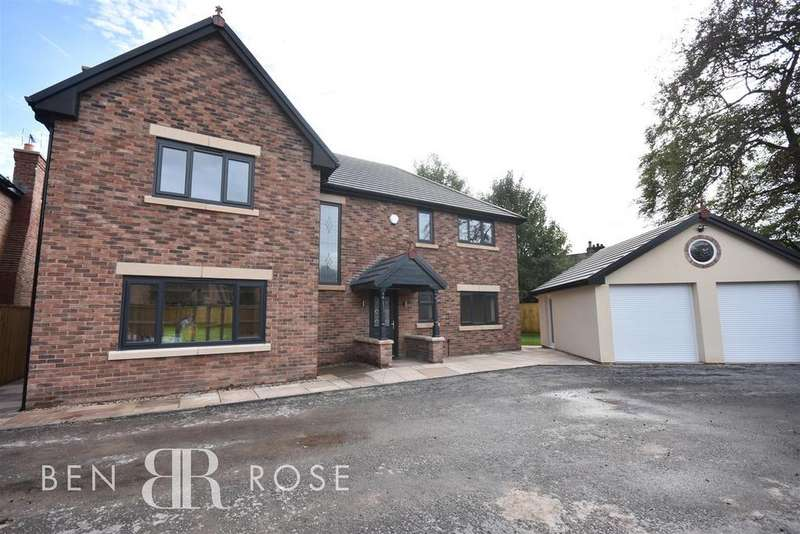 4 Bedrooms Detached House for sale in Balshaw Villa Gardens, Euxton, Chorley
