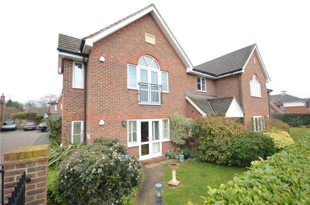 2 Bedrooms Apartment Flat for sale in Marsh Place, Pangbourne, Reading