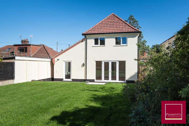 4 Bedrooms Detached House for sale in Sutherland Avenue, Hellesdon