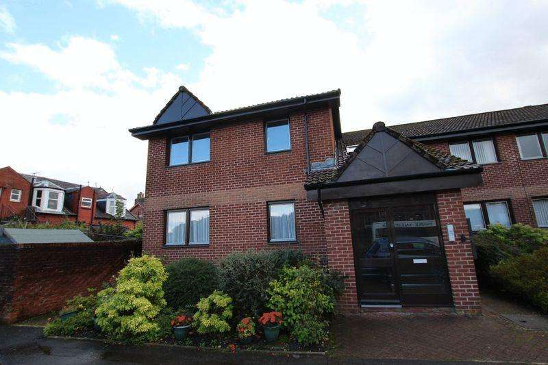 2 Bedrooms Flat for sale in Cherry Tree Court, Hill Street, Alexandria