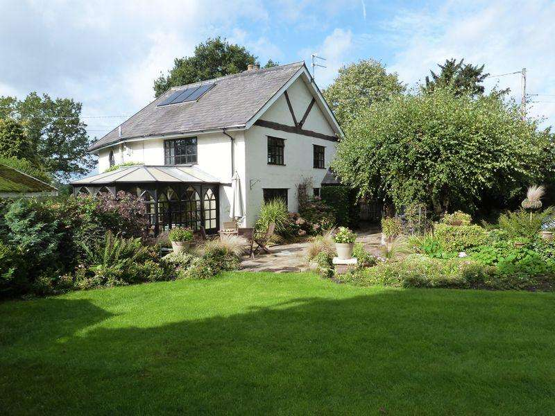 4 Bedrooms House for sale in Holmes Chapel Road, Davenport Congleton Cheshire CW12 4SS
