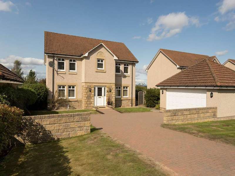4 Bedrooms Detached House for sale in Gardens Road, Newburgh,