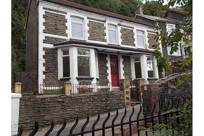 3 Bedrooms Detached House for sale in Rhyswg Road, Abercarn, Newport