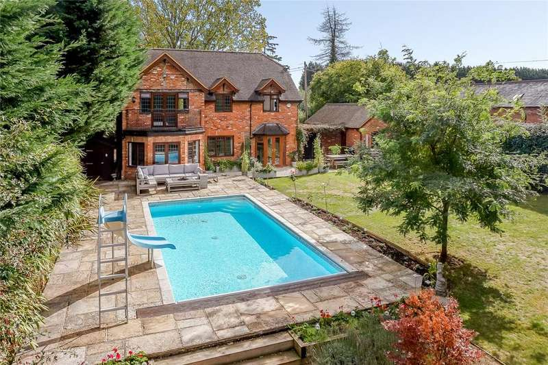 5 Bedrooms Detached House for sale in Sheepcote Lane, Paley Street, Berkshire