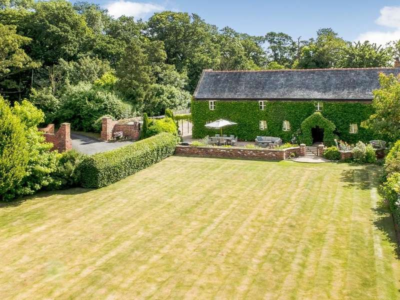 4 Bedrooms Barn Conversion Character Property for sale in The Barn, Hollybush, Worthenbury, LL13 0BX