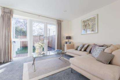 4 Bedrooms Detached House for sale in 488-496 Portsmouth Road, Southampton