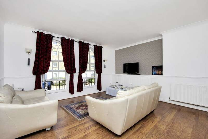 2 Bedrooms Flat for sale in Edward Square, London SE16