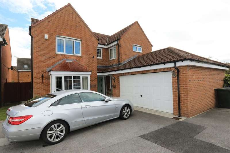 4 Bedrooms Detached House for sale in Kingfisher Drive, Wombwell, Barnsley, S73