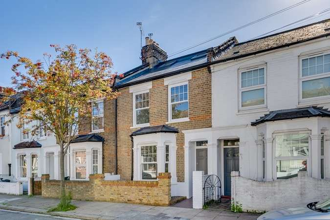 4 Bedrooms Terraced House for sale in Gastein Road, London