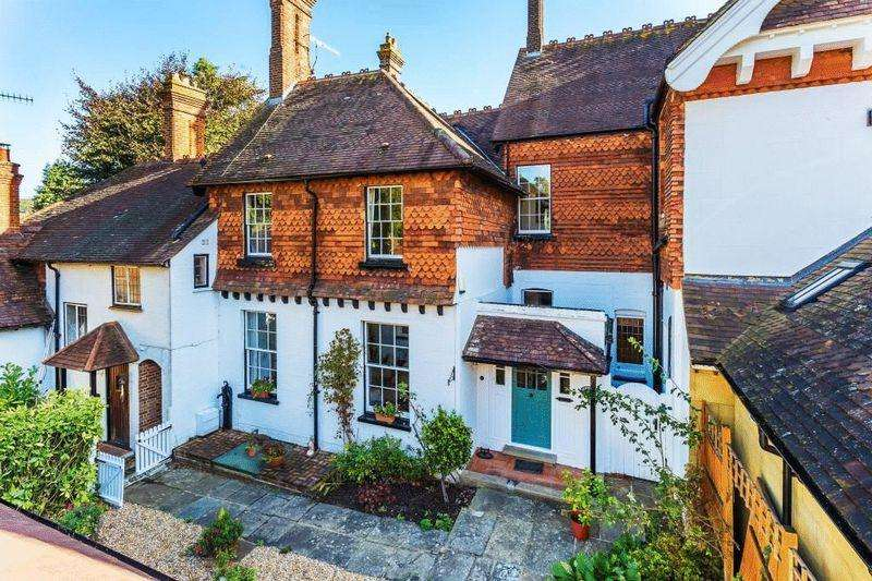 4 Bedrooms Terraced House for sale in WESTCOTT - A HOME WITH A STORY