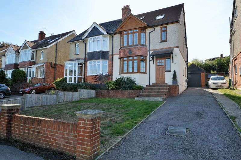 3 Bedrooms Property for sale in The Brow, Widley