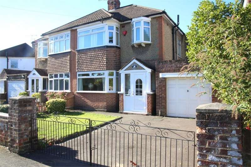 3 Bedrooms Semi Detached House for sale in London Road, Langley, Berkshire