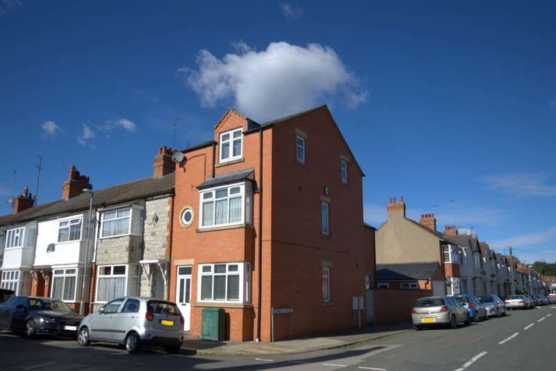 4 Bedrooms Semi Detached House for sale in King Edward Road, Abington, Northampton, NN1