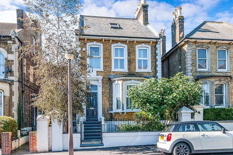 5 Bedrooms Detached House for sale in Marlborough Road, Ramsgate, CT11